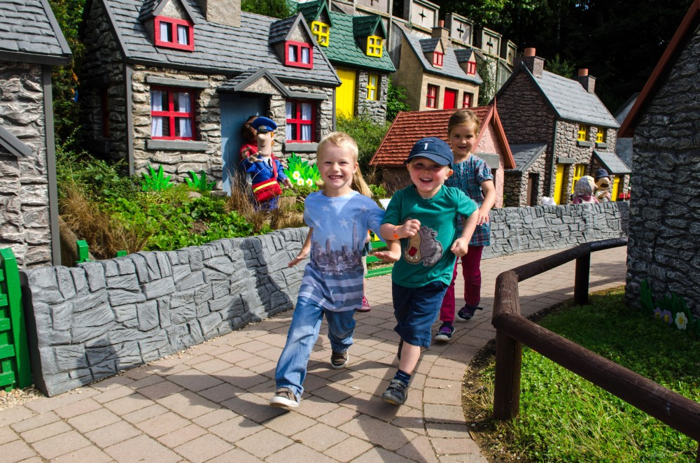 postman pat village longleat reviews