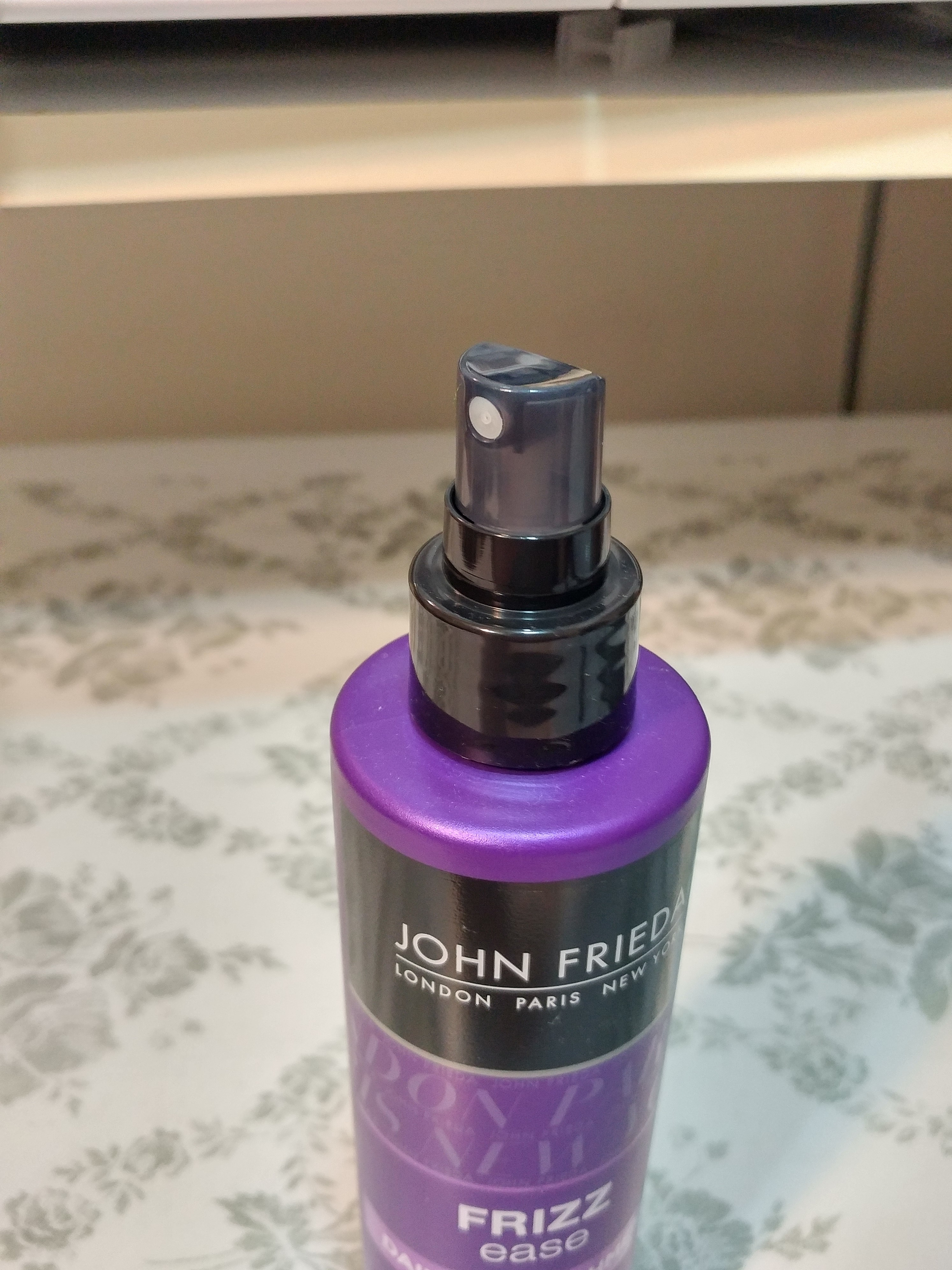 john frieda frizz ease leave in conditioner review